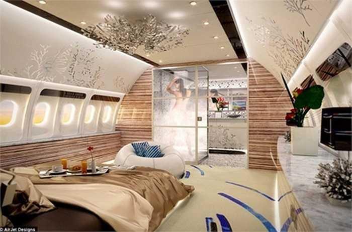 Một phòng ngủ hạng sang với phòng tắm bên trong, đầy đủ tiện nghi cao cấp không khác gì khách sạn năm sao.