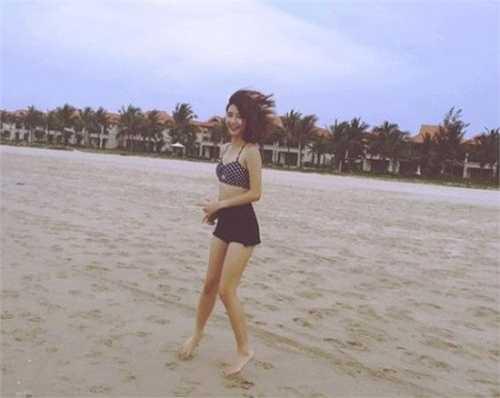 Loạt ảnh mới được hot girl đăng tải trên trang cá nhân thu hút hơn 40.000 lượt thích.