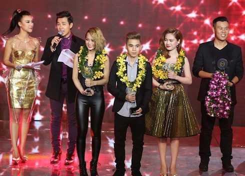 Giang Hồng Ngọc giành giải Vàng.