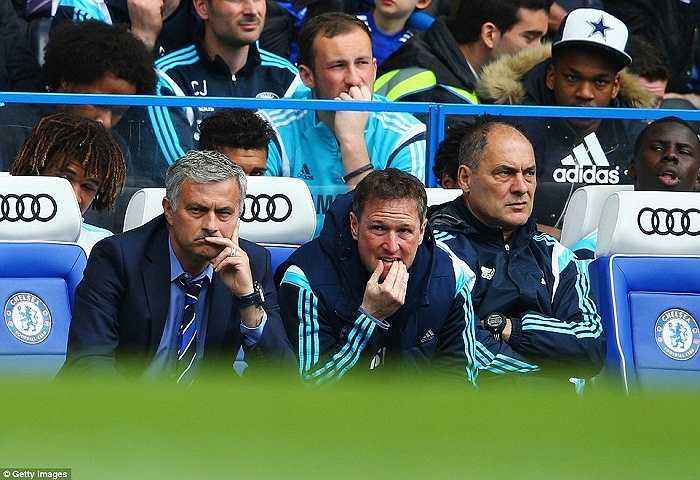 Mourinho thực sự là cáo già trên băng ghế huấn luyện