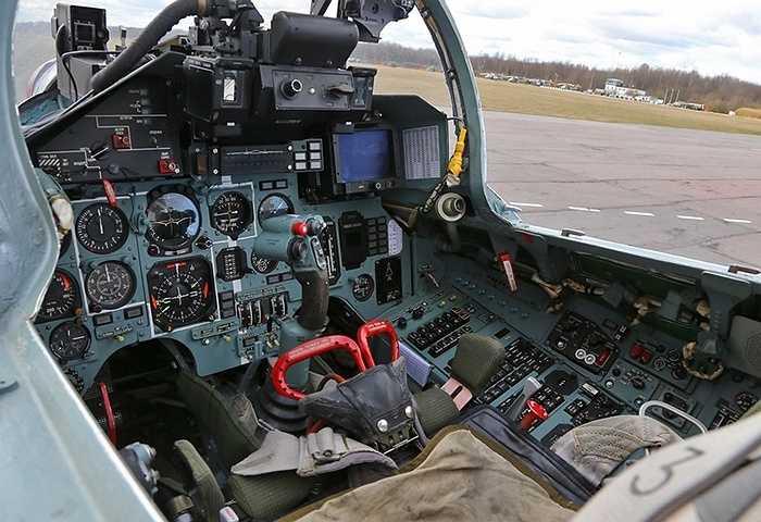 Cabin của một chiến đấu cơ Su 27