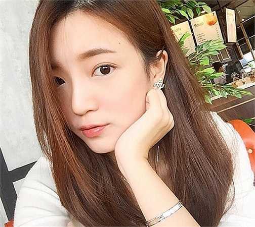 Pampam Darathip (sinh ngày năm 1994) hiện là một trong những hot girl khá nổi tiếng tại Thái Lan. Cô là sinh viên của Đại Học Assumption.