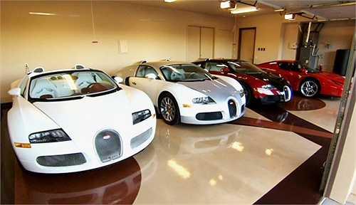 Số tiền còn lại, ông chủ của The Money Team có thể dùng để mua nốt cả trăm siêu xe với đủ các nhãn hiệu đình đám như Lamborghini, Ferrari hay Bugatti.