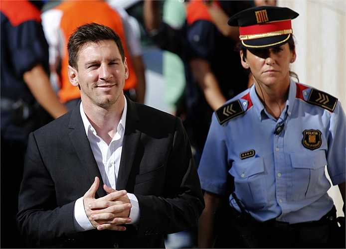 Anh cũng dư sức trả khoản tiền trốn thuế trong năm 2013 cho Messi và khoảng 9 năm tiếp theo nếu Messi vẫn trốn thuế.