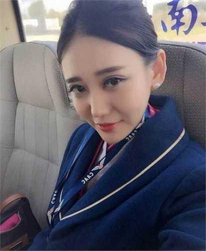 Cư dân mạng không ngớt lời khen ngợi nhan sắc của Zoe Yao, đồng thời liên tục chia sẻ những hình ảnh xinh đẹp của cô bạn.