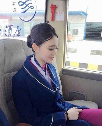 Những hình ảnh đẹp của Zoe Yao khi khoác lên mình trang phục tiếp viên hàng không.