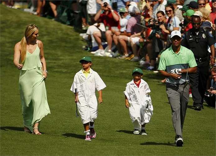 Lindsey Vonn thường xuyên xuất hiện cổ vũ cho tay golf từng đứng số một thế giới ở các giải đấu