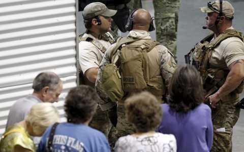 Lực lượng cảnh sát được huy động khẩn cấp sau vụ xả súng tại địa điểm thi vẽ biếm họa nhà tiên tri Muhammad