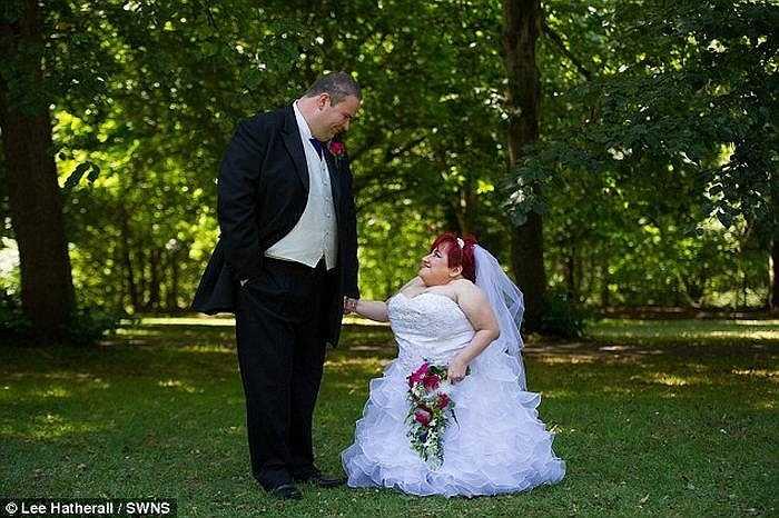 Năm 2005, Rebecca gặp Norman (35 tuổi), một kỹ thuật viên IT. Sau 5 năm tìm hiểu, Norman đã cầu hôn Rebecca. Đám cưới cổ tích diễn ra trong sự chúc mừng của nhiều người.