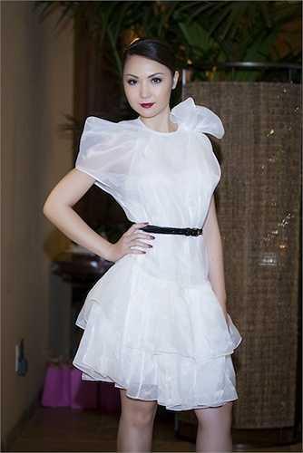 Được biết, Hoa hậu Á Châu Hoa Kỳ sẽ giữ vai trò verdette trong hai bộ sưu tập của hai nhà thiết kế Việt.