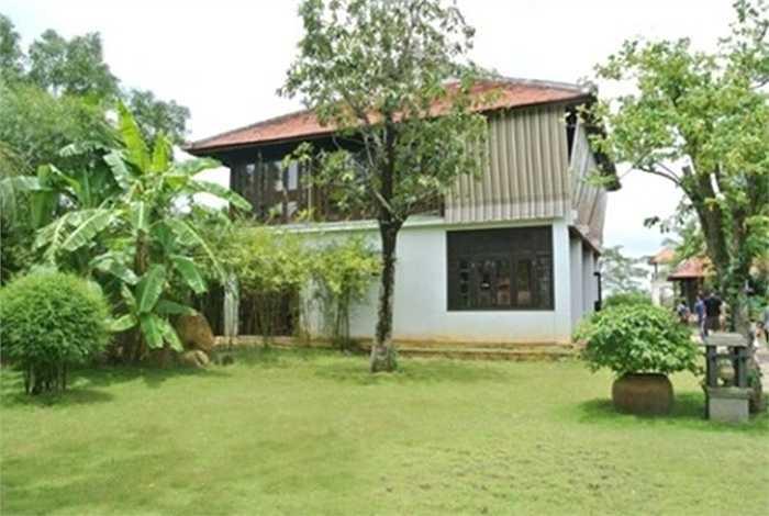 Cơ ngơi hoành tráng của vợ chồng Thu Hương mất 4 năm cải tạo và xây dựng với 20 tỷ đồng mới hoàn thiện căn villa như hiện tại.