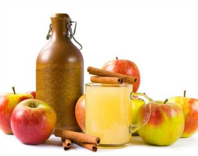 Táo được cho là một loại trái cây có sự kết hợp cân bằng của tất cả các chất dinh dưỡng. Đặc biệt dấm táo là một chế phẩm từ táo thì rất tuyệt vời. Việc ăn loại quả này hàng ngày làm tăng số lượng tinh trùng một cách tự nhiên.