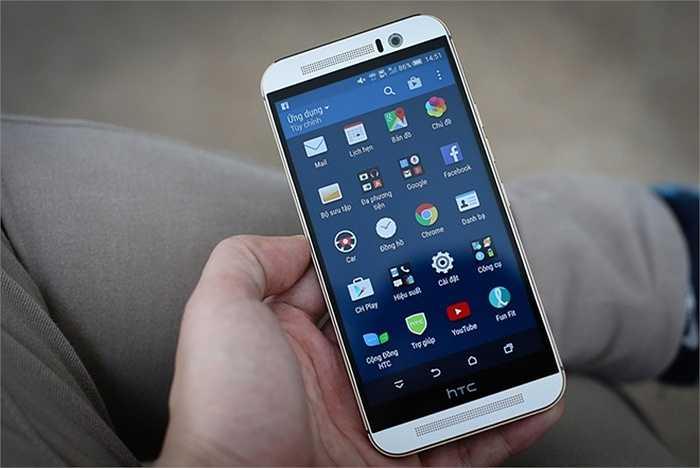 HTC One M9 (pin: 6 tiếng 25 phút - sạc: 2 giờ 6 phút)    Thiết kế sang trọng, cấu hình mạnh và pin tốt là ba điểm nhấn trên chiếc HTC One đời mới. Dù không có sạc không dây như đối thủ S6, One M9 vẫn hỗ trợ công nghệ sạc nhanh giúp pin 2.840 mAh chỉ mất hơn 2 giờ để nạp đầy. Thời gian sử dụng của One M9 ổn hơn so với cả M8 và M7. Dù vậy, hạn chế trên sản phẩm là vỏ kim loại khá nóng khi hoạt động lâu.