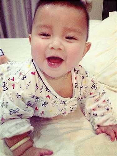 Nụ cười hồn nhiên của bé Lucas, tên thật là Gia Phúc.