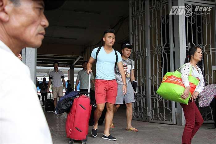 Ở vòng 6 V-League, sau khi có bàn thắng đầu tiên tại giải đấu này vào lưới Thanh Hóa, Tuấn Tài đã ăn mừng bằng cách vén áo, lộ ra hàng chữ: 'Yêu mẹ nhiều lắm!'