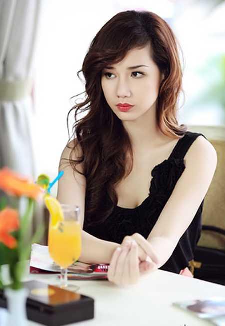 Quỳnh Chi thừa nhận hôn nhân của cô trên bờ vực tan vỡ. Người đẹp sống ly thân từ lâu.
