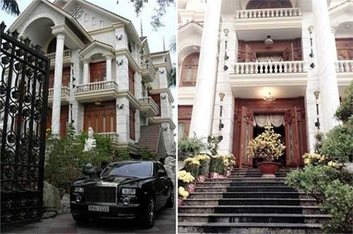 Ngoài ra, biệt thự siêu sang của nhà chồng MC Quỳnh Chi tại quận Ninh Kiều, Cần Thơ khiến nhiều người ngỡ ngàng vì độ hoành tráng, nhiều nội thất gỗ trị giá cả tỷ đồng.