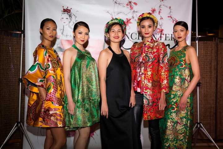 Được biết đây là sự kiện thời trang diễn ra trong một không gian đơn giản,  nhằm mục đích gây quỹ từ thiện giúp đỡ cho những hoàn cảnh khó khăn.