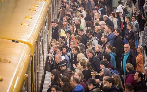 Hàng triệu người sử dụng tàu làm phương tiện di chuyển chính tại Đức bị ảnh hưởng