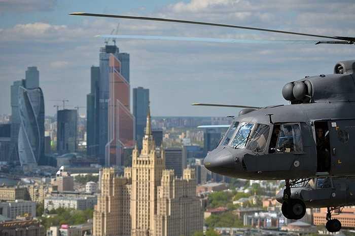 Trực thăng Mi-8 chuẩn bị luyện tập