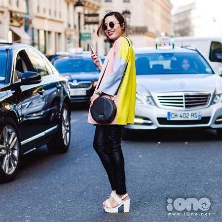 Cuối năm 2014, cô bạn đã trúng tuyển trở thành thực tập sinh cho thương hiệu Chanel - một giấc mơ đối với nhiều bạn trẻ.