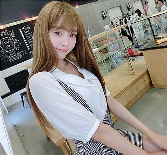 Sau scandal bị chụp trộm, cô gái này bỗng dưng nổi tiếng trong cộng đồng mạng xã hội Trung Quốc
