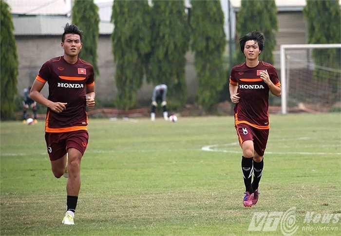 Tuấn Anh chạy đua cùng Hoàng Lâm  (Ảnh: Quang Minh)