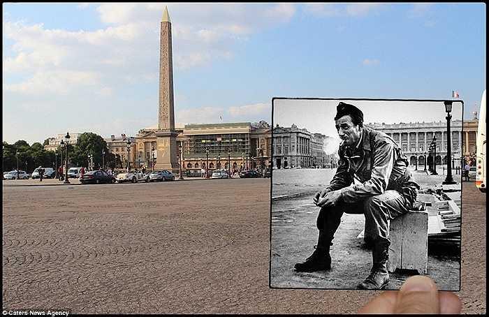 Một người lính hút thuốc lá ở quảng trường Concorde lịch sử