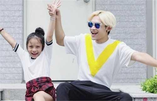 Dương Minh Tuấn - bé Sunny Dương là cặp đôi 'anh trai - em gái' gây sốt trên các trang mạng xã hội thời gian vừa qua.