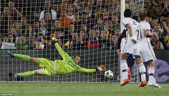 Tiền đạo người Argentina, Lionel Messi mở tỉ số cho Barca ở phút 77 bằng một cú sút lạnh lùng, căng và mạnh, ở rìa vòng cấm địa.