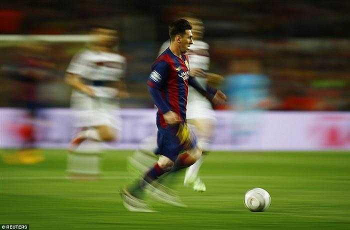 Messi đã làm khổ hệ thống phòng ngự kín kẽ của Bayern.