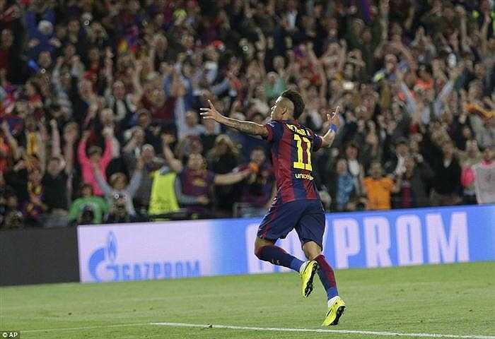 Neymar ghi bàn ấn định tỉ số 3-0 cho Barca, ở phút 90.