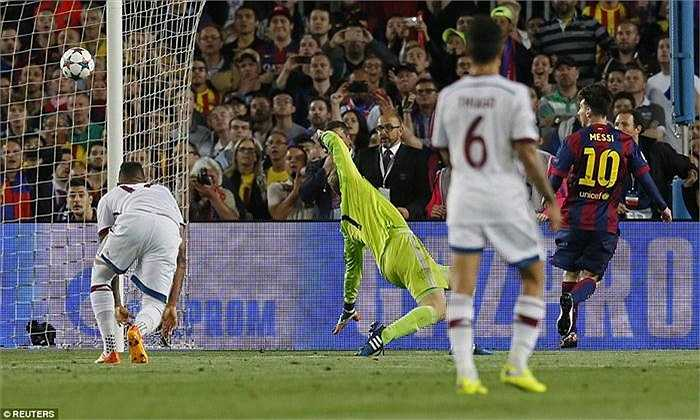 Cả hai pha làm bàn của Lionel Messi được giới mộ điệu ca ngợi là 'khoảnh khắc thiên tài'.
