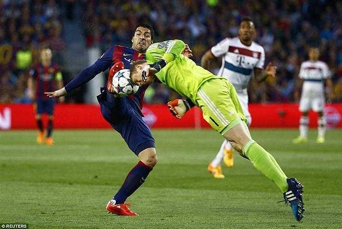 Phần đông các CĐV cảm thấy tiếc cho thủ môn Manuel Neuer. Bởi anh cũng đã chơi rất xuất sắc trước khi Messi ghi bàn.