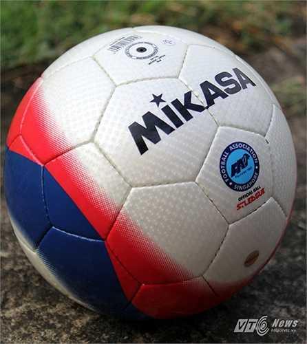Đây là trái bóng của hãng Mikasa, một hãng sản xuất đồ thể thao của Nhật Bản. Trái bóng này được sử dụng tại giải vô địch Singapire (S-League).