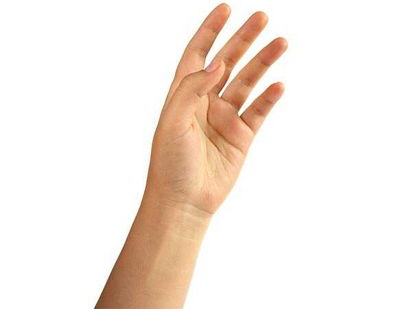 Đầu ngón tay dày và tròn: Khi đầu ngón tay có hiện tượng dày và tròn hơn thì đây có thể là dấu hiệu của bệnh phổi hoặc bệnh tim.