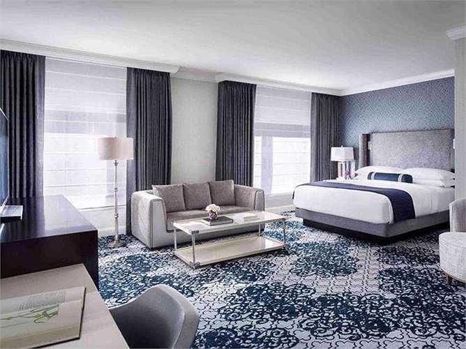 Năm 2013, ông cùng một nhà mua giấu tên đã chi 161 triệu USD mua khách sạn Ritz-Carlton ở San Francisco