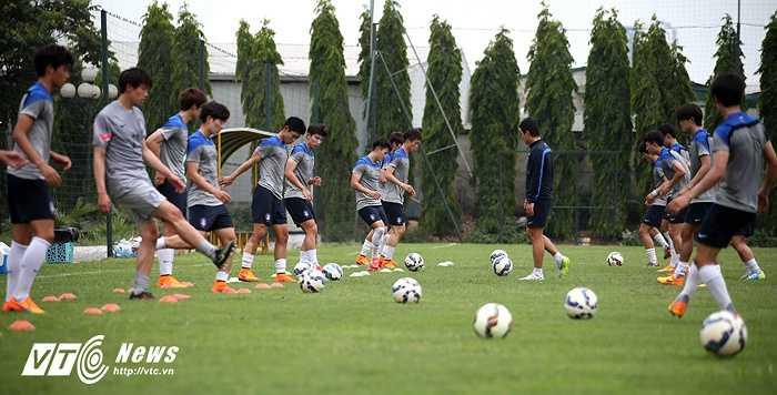 Đội bóng Hàn Quốc có thể hình vượt trội U23 Việt Nam.(Ảnh: Quang Minh)