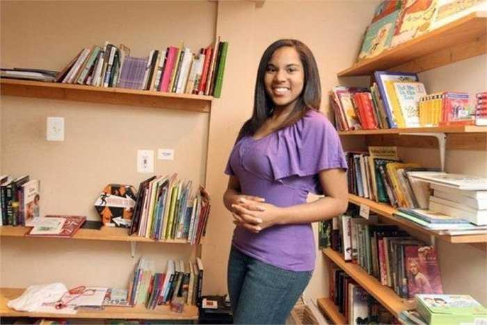 Adele Ann Taylor. Thư viện Adele được đặt tên theo cô bé này sau khi cô đã rất nỗ lực tham gia các hoạt động giúp đỡ bạn bè của mình – những người gặp khó khăn trong việc tập đọc, viết. Thư viện sau đó đã phát triển mạnh mẽ hơn và quyên góp sách vở cho trẻ em nghèo ở châu Phi.