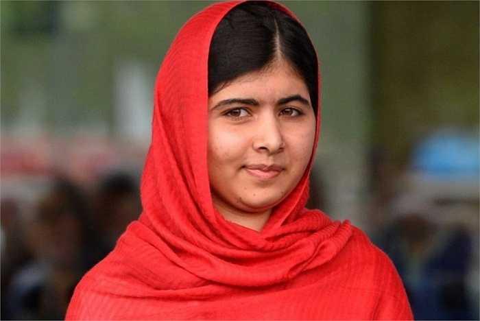 Malala Yousafzai, người Pakistan tham gia vào các hoạt động xã hội chống lại phiến quân Taliban từ khi mới 11 tuổi. Thậm chí, cô bé từng bị khủng bố bắn hai phát vào đầu. Sau khi sống sót, cô lại hoạt động và nhận được giải Nobel hòa bình vì những đóng góp của mình