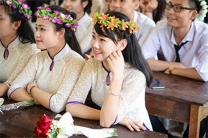 Hay đơn giản là những hình ảnh giản dị trong những buổi cuối được ngồi trong lớp học dưới mái trường THPT Ngô Quyền