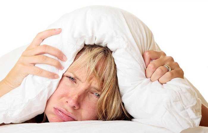 Giảm sức đề kháng: Việc liên tục khiến cơ thể phải chịu sự thay đổi đột ngột nhiệt độ sẽ khiến sức đề kháng của cơ thể bị bào mòn nhanh chóng. Điều này sẽ khiến bạn dễ bị ốm, cảm cúm và mắc một số bệnh khác.