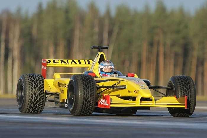Thủ tướng Nga Vladimir Putin thử nghiệm xe đua Formula 1 ở khu vực Leningrad