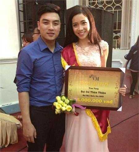 Cô bạn lai Tây này được mời làm Đại sứ thân thiện cuộc thi Nữ sinh thanh lịch ĐHQG Hà Nội 2015 (Miss VNU).