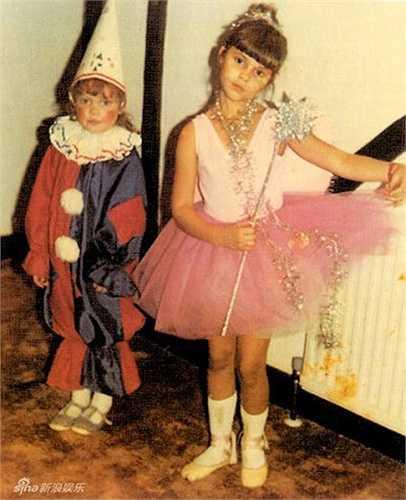 Vic rất thích được hóa thành nàng công chúa khi còn nhỏ giống như bao bé gái khác.