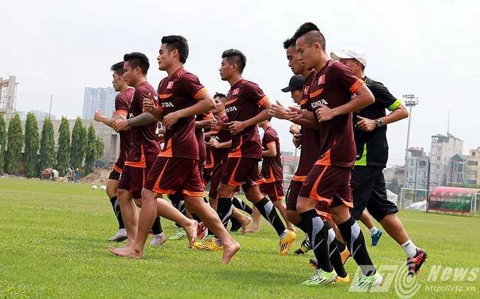 Sáng nay, ĐT Việt Nam tiếp nhận thêm 4 'viện binh' từ đội U23 (Ảnh: Quang Minh)