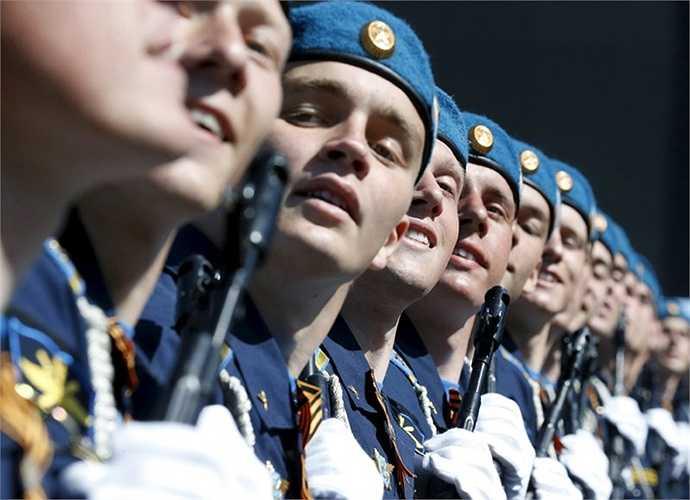 Các binh sỹ Nga trong đội hình duyệt binh