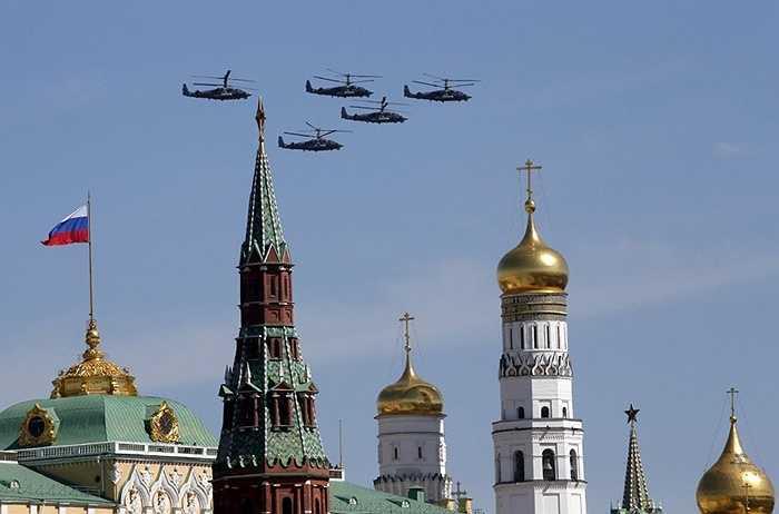 Cá sấu Ka-52 bay diễn tập trên bầu trời Quảng trường Đỏ