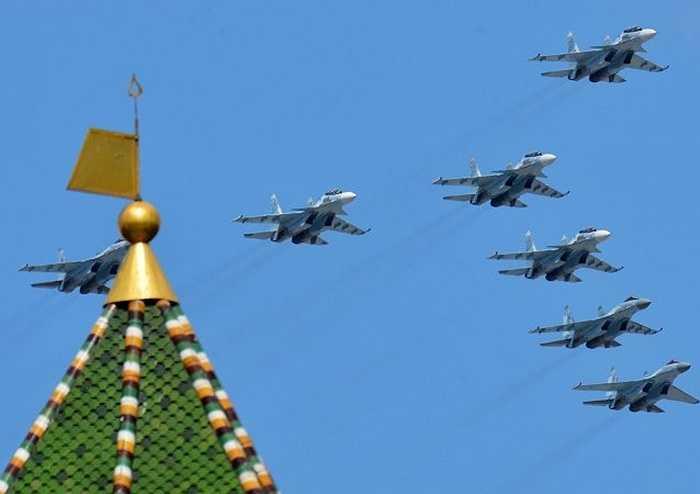 Các chiến cơ Su-30SM và Su-35 tham gia duyệt binh