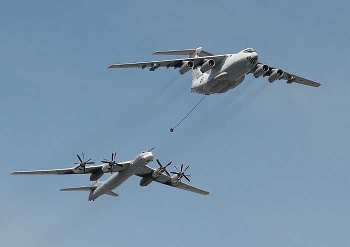 Máy bay tiếp nhiên liệu, máy bay ném bom chiến lược của Nga